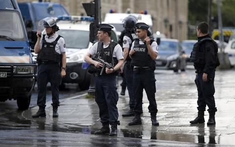 Hiện trường vụ tấn công khủng bố. Ảnh: Reuters