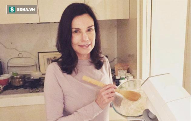 Đã 30 năm nay, bà Carolyn không ăn đường.