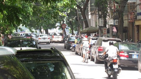 Hà Nội sẽ đỗ xe theo ngày chẵn lẻ trên phố Thi Sách.