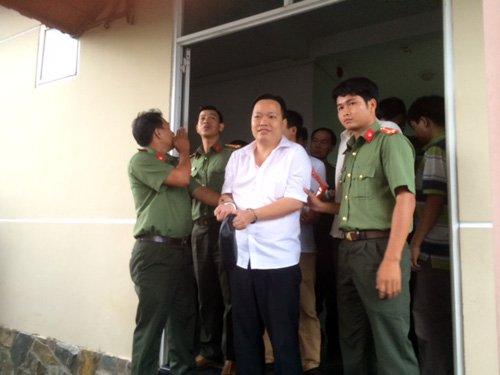 Ông Nguyễn Huỳnh Đạt Nhân – nguyên Giám đốc công ty TNHH MTV Nông thủy sản Tây Nam bị cơ quan công an TP Cần Thơ bắt giữ