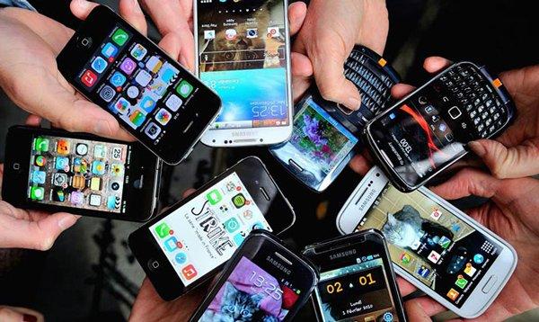 Nhiều dòng sản phẩm điện thoại mới ra mắt