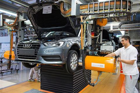 Trước khi xuất xưởng, ô tô đã được kiểm định chất lượng đặc biệt, về Việt Nam tiếp tục phải được kiểm định lại.