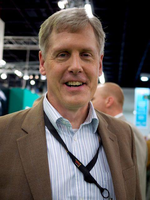 Steven Sasson, cha đẻ của máy ảnh kĩ thuật số.