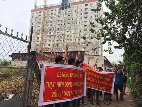 """Khách hàng mua căn hộ cao tầng dự án Tân Bình Apartment phản đối việc chủ đầu tư tự ý """"đẻ"""" thêm 2 tầng"""