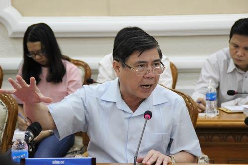 Chủ tịch UBND TP HCM Nguyễn Thành Phong phát biểu tại buổi họp Ảnh: Phan Anh