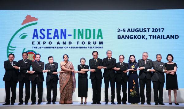 Đại diện các nước tham dự diễn đàn