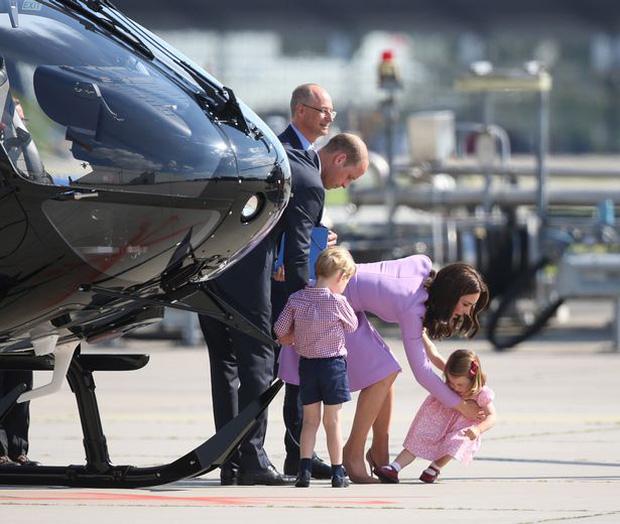 Gia đình Hoàng tử William thu hút mọi sự chú ý của truyền thông quốc tế trong chuyến công du mới đây.
