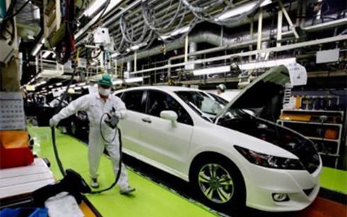 Bộ Tài chính kỳ vọng việc điều chỉnh thuế nhập khẩu linh kiện ô tô sẽ tăng sức cạnh tranh cho xe nội (ảnh minh họa: KT)