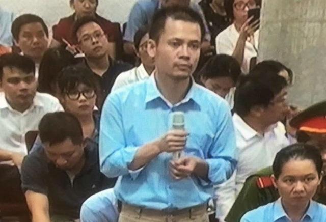 Phiên tòa chiều 15/9: Luật sư đề nghị giảm nhẹ án phạt cho Nguyễn Xuân Thắng - Ảnh 1.