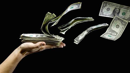 Tiêu tiền là cách đơn giản để đẩy lùi những căng thẳng