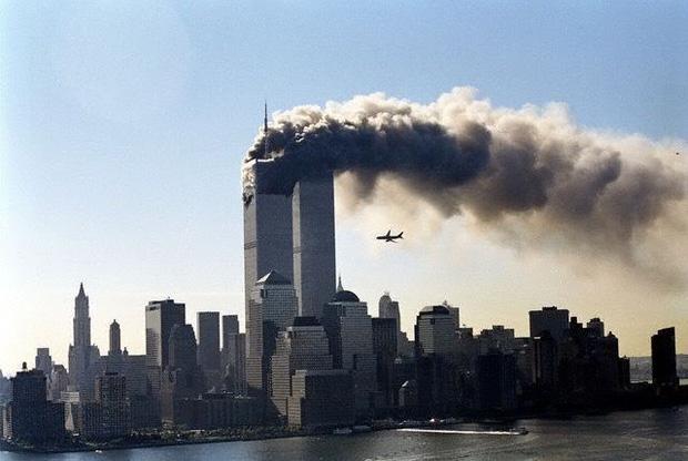 Cuộc tấn công ngày 11/9 vào 16 năm trước cho đến nay vẫn là một ám ảnh lớn với người dân trên toàn thế giới (Ảnh: Internet)