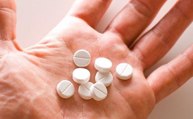 Lạm dụng thuốc hạ sốt có thể gây ra các vấn đề về gan.