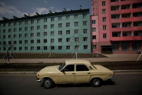 Một chiếc xe hơi ở Triều Tiên. Ảnh: REUTERS