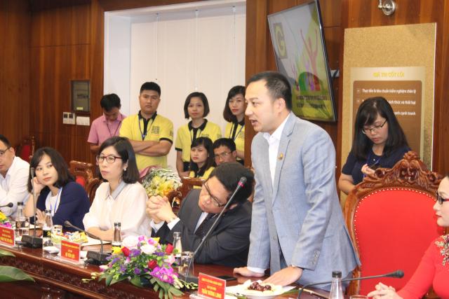 Anh Trần Vương Long, chủ tịch HĐQT công ty CP Gonow Group phát biểu tại lễ ký kết thỏa thuận hợp tác với Viettel.