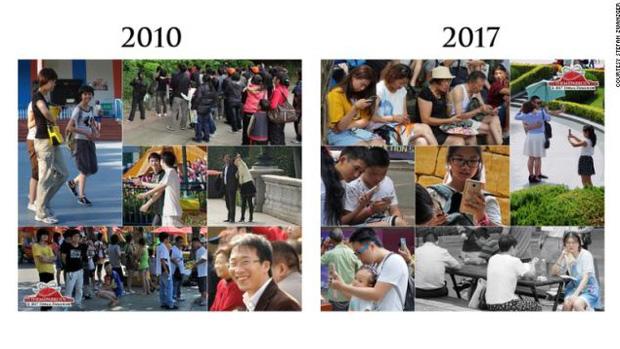 Bức hình năm 2010 với những gương mặt tươi cười, khác xa so với tấm hình được chụp vào năm 2017 khi mọi người dán mắt vào di động.