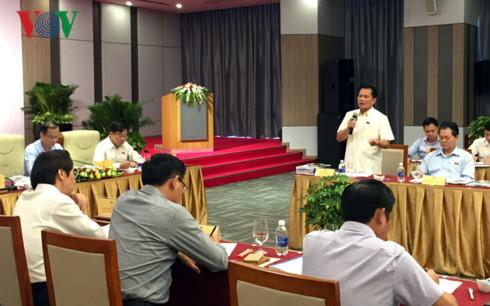 Ông Bùi Sỹ Lợi, Phó Chủ nhiệm Uỷ ban Các vấn đề xã hội của Quốc hộiphát biểu tại phiên họp.