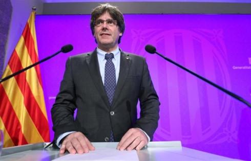 Câu trả lời của Thủ hiến xứ Catalonia Carles Puigdemont sẽ quyết định tương lai của vùng và của cả Tây Ban Nha. Ảnh: Reuters