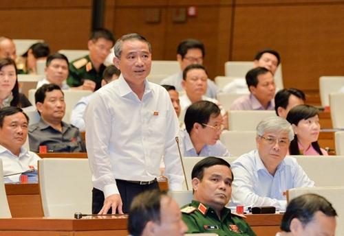 Bộ trưởng Bộ GTVT báo cáo Quốc hội dự án xây dựng sân bay Long Thành đến nay đã chậm tiến độ 8 tháng - Ảnh: Quochoi
