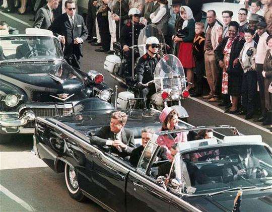 Cố Tổng thống John F. Kennedy trong ngày bị ám sát. Ảnh: Newseum