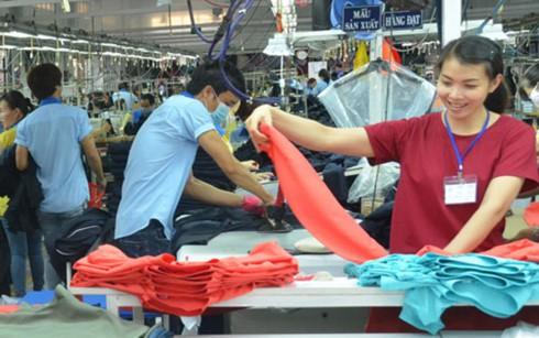 Doanh nghiệp dệt may cần tăng khả năng cạnh tranh để chiếm lĩnh thị trường xuất khẩu (Ảnh minh họa: KT)