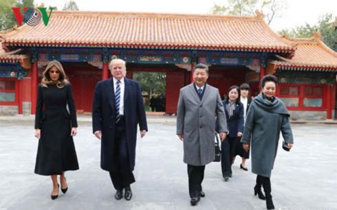 Chủ tịch Trung Quốc Tập Cận Bình đón Tổng thống Mỹ Donald Trump