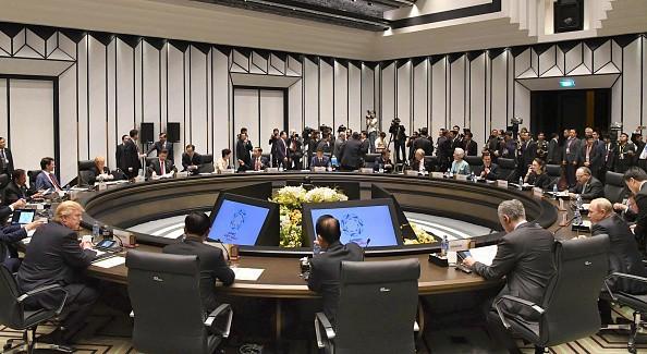 Toàn cảnh cuộc họp của lãnh đạo 21 nền kinh tế APEC tại Đà Nẵng sáng 11/11. Ảnh: Kyodo