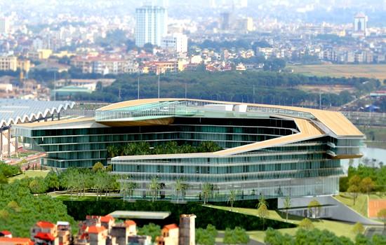 Khách sạn 5 sao này được thiết kế với ý tưởng về sự quyền uy, cao quý của biểu tượng con rồng huyền thoại.