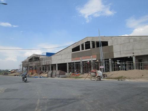 Nhà máy giết mổ công nghiệp của Công ty CP Chế biến thực phẩm Hóc Môn vẫn chưa đi vào hoạt động sau 7 năm xây dựng