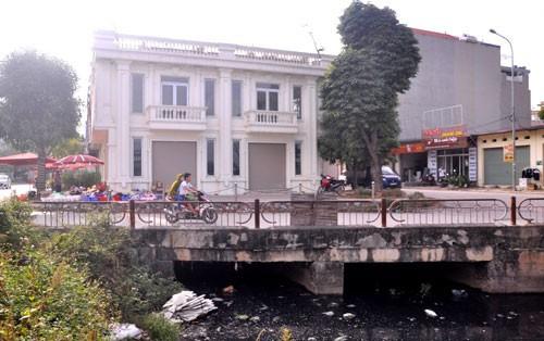 Thanh tra Chính phủ kết luận việc cho phép chủ đầu tư xây ki-ốt kiên cố lên mặt kênh là sai quy định