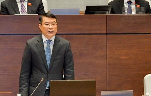 Thống đốc NHNN Lê Minh Hưng trả lời chất vấn trước Quốc hội sáng 17/11/2017.
