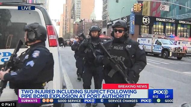 Cảnh sát đã nhanh chóng tiếp cận hiện trường.