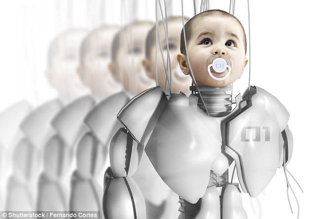 Chuyên gia dự đoán: Người và robot có thể cùng nhau sinh con trong vòng 100 năm nữa