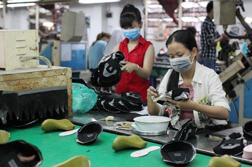 Mức thưởng Tết của công nhân ngành dệt may, giày da phổ biến là 1 tháng lương cơ bản