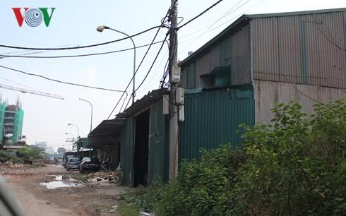 Nhà xưởng trong khu đất dự án Khu đô thị mới Thịnh Liệt.