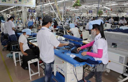 Việt Nam vẫn giữ được đà xuất siêu khi xuất khẩu tăng khoảng 8,6%, xuất siêu đạt khoảng 2,68 tỷ USD. Ảnh: Trần Lê Lâm-TTXVN