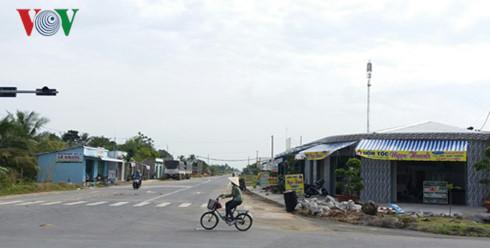 Nhiều hộ xây dựng nhà ở, cơ sở kinh doanh lấn chiếm phạm vi lộ giới.