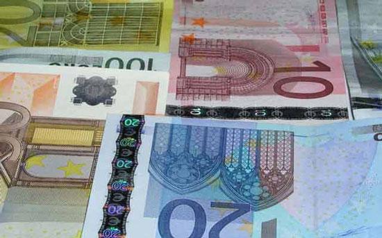Đồng USD có thể sắp ngang giá với Euro.