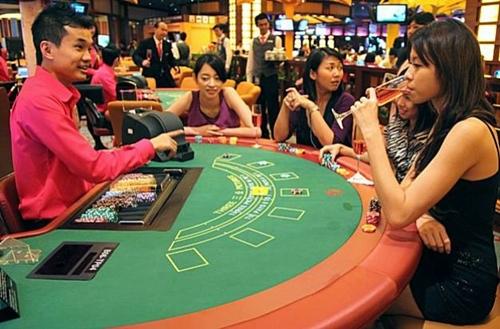Sentosa là một trong hai địa điểm được mở casino ở Singapore. Ảnh: SFgate