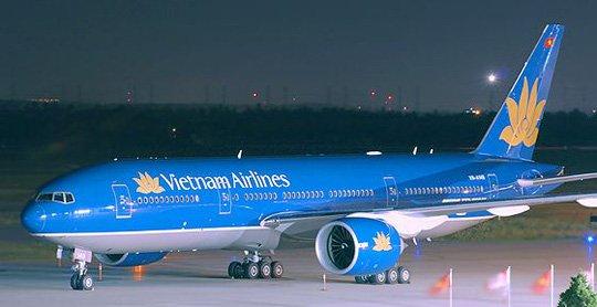 Máy bay Vietnam Airlines hạ cánh xuống sân bay Kolkata (Ấn Độ) để cấp cứu hành khách gặp vấn đề về sức khỏe.