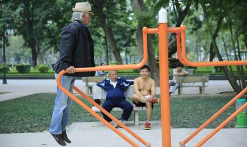 Trong công viên Thống Nhất (Hà Nội). Ảnh: Hồng Vĩnh.