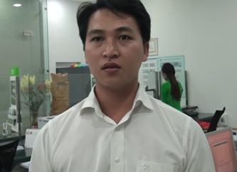 Anh Huỳnh Thanh Sang kể lại vụ việc. Ảnh: Hồng Dương