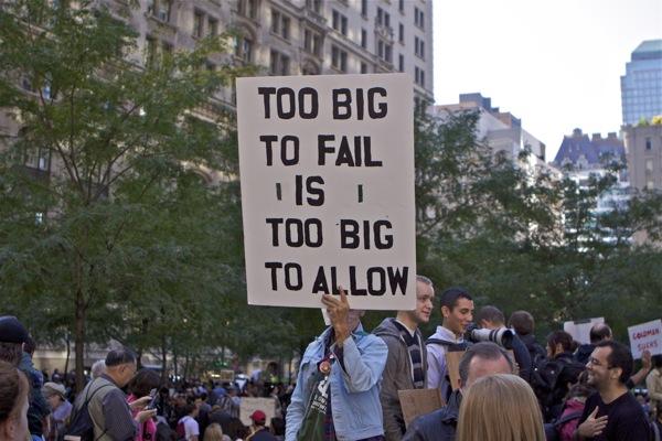 """Cụm từ """"Too big to fail"""" trở nên phổ biến trong cuộc khủng hoảng nhà đất ở Mỹ 2007-2008"""