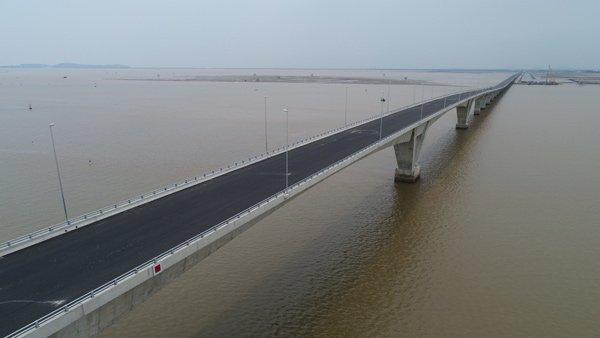 Cầu vượt biển dài nhất Đông Nam Á.
