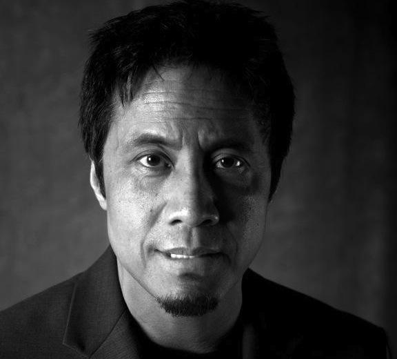 Tác giả My familys slave (Người nô lệ của gia đình tôi) - nhà báo Alex Tizon.