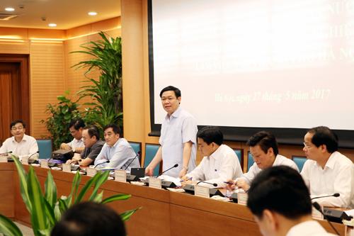 Phó Thủ tướng Vương Đình Huệ đề nghị  Hà Nội chú ý đánh giá kỹ việc thực hiện tự chủ về tài chính- bước quan trọng để thực hiện tự chủ biên chế, nhân sự. Ảnh: VGP/Thành Chung