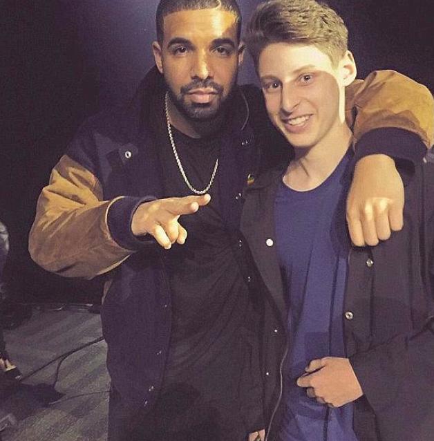 Ben Pasternak với ca sĩ Drake, một người bạn trong làng giải trí của Ben.