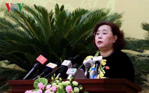 Chủ tịch HĐND thành phố Nguyễn Thị Bích Ngọc phát biểu khai mạc kỳ họp thứ 4.