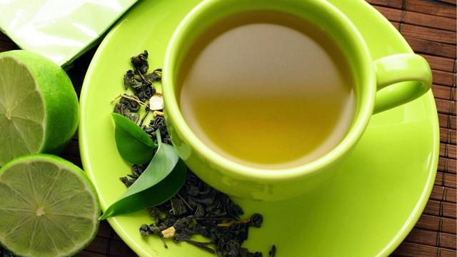 Uống trà đúng cách giúp giải độc cơ thể, mang lại hiệu quả không ngờ.