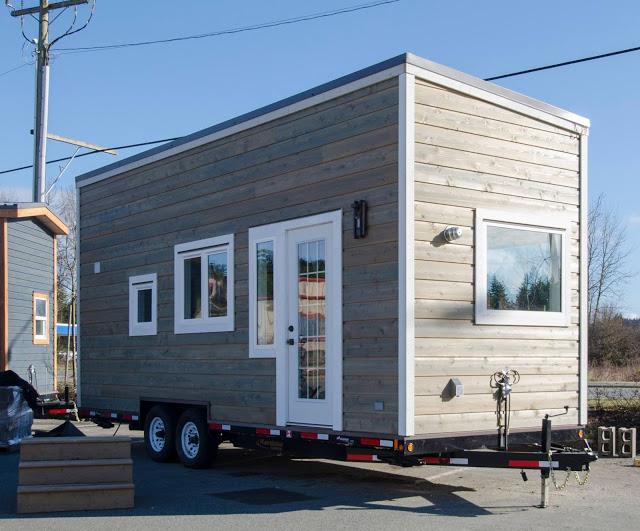 Nhìn bề ngoài, ngôi nhà được thiết kế với kiểu dáng nhỏ gọn, bắt mắt trông giống hệt một chiếc hộp.