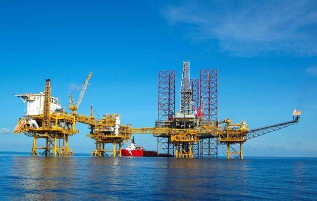 Giá bán dầu thô được kiểm soát chặt.